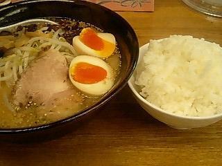 たか信 味玉味噌らーめん+ライス大盛り.JPG