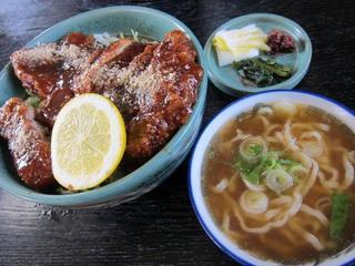 蔵一 ソースカツ丼2.JPG