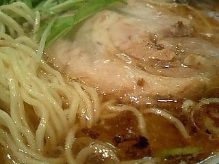 泰平 醤油ラーメン2.JPG