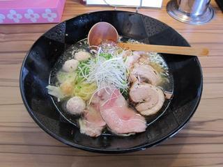 本丸亭 贅沢三昧塩らー麺.JPG