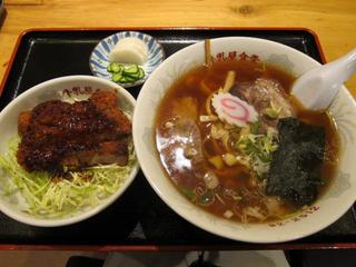 牛乳屋食堂 Bセット/ラーメン+半ソースカツ.JPG