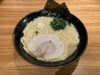 壱角家メトロ西葛西店 ラーメン醤油