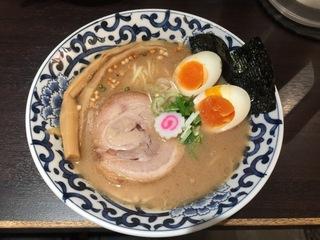 東京駅 斑鳩 東京駅らー麺