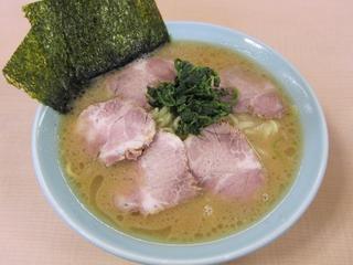 真鍋家 ラーメン中+チャーシュー増1.JPG