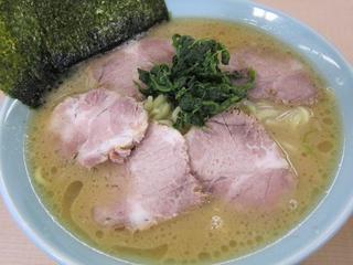 真鍋家 ラーメン中+チャーシュー増2.JPG