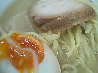 中央自動車道 境川PA下り 鶏塩めん2.JPG