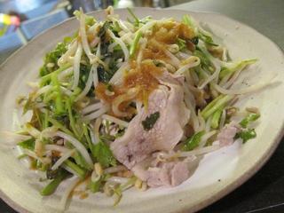 麺やBar渦 もやしとセリの豚しゃぶサラダ.JPG