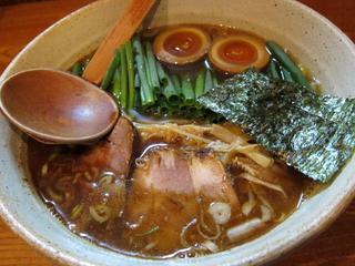 麺や八雲 小ねぎらーめん醤油2.JPG