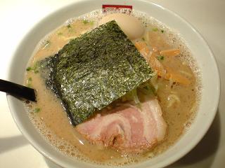 麺屋のすけ らーめん黒/太麺+中盛り+味たま1.JPG