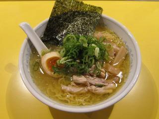 らーめん研究所 6番鶏塩.JPG