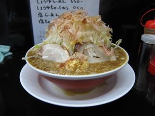 泪橋 マンモスラーメン横.JPG