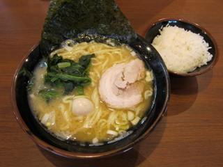 町田商店 ラーメンとライス.jpg