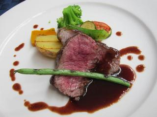 Restaurant maxi-mieux A5級黒毛和牛赤ワインソース.JPG